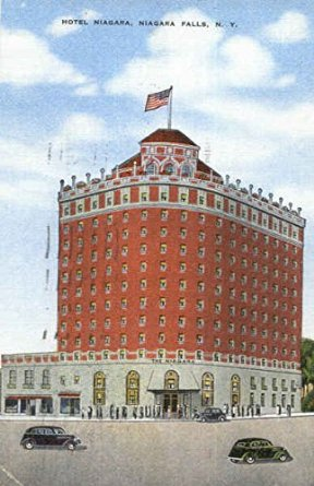 In its heyday it was the premier hotel in Niagara Falls. It was reportedly the home of Marilyn Monroe and Joe DiMaggio while filming Niagara in 1952. Former guests of the hotel include U.S. President John F. Kennedy, Frank Sinatra, Sammy Davis Jr., Joseph Cotten and Al Capone.