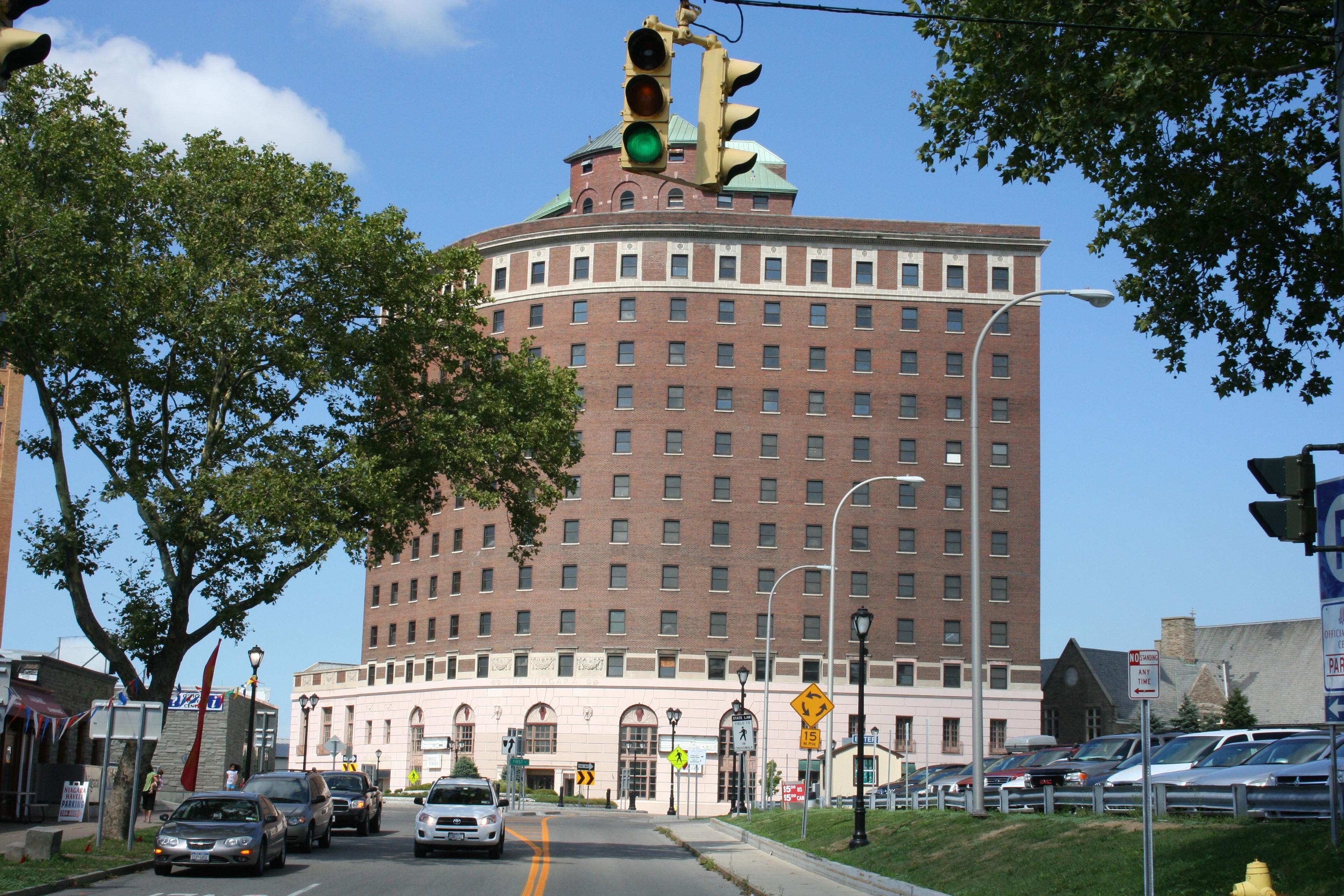 Hotel Niagara will go to Delaware North